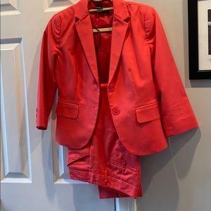 Ladies 2 piece suit